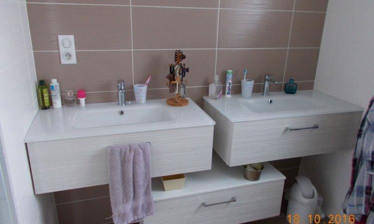 Installation meuble sanitaire suspendu